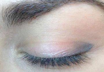 Close-up af elegant permanent makeup eyeliner