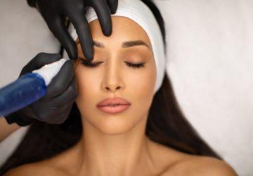 Behandling af permanent makeup eyeliner